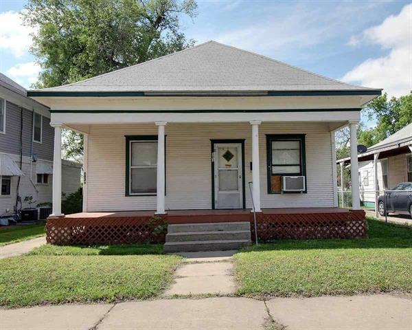 For Sale: 103 W 7th Ave, Hutchinson KS