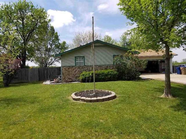 For Sale: 559 N Ohio St., Benton KS