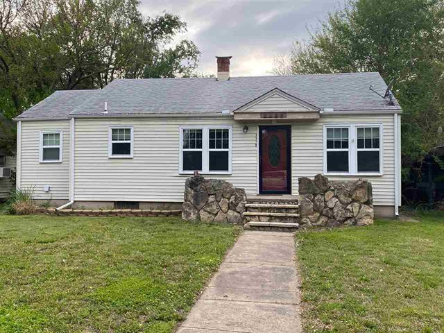 For Sale: 1109 N B St, Arkansas City KS