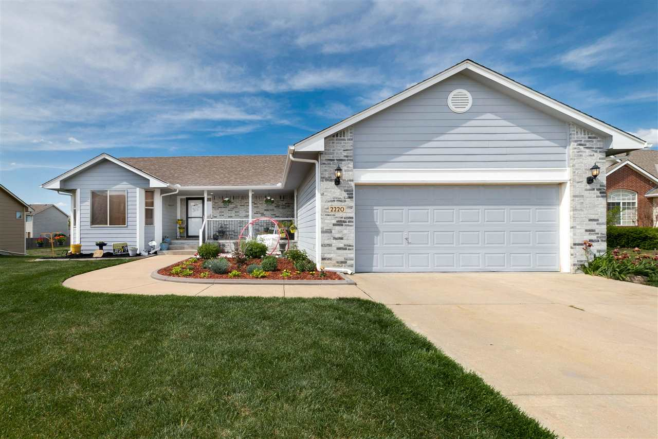Come see this gorgeous home in Southeast Wichita's desirable Brentwood South subdivision! This home