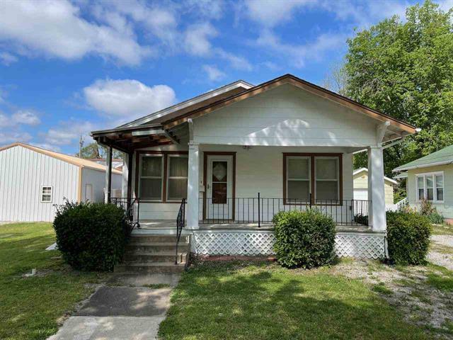 For Sale: 305 N School, Eureka KS