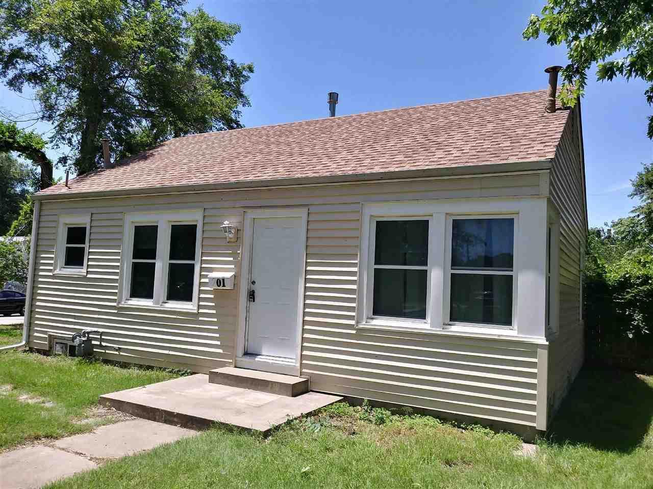 Corner Lot - House Vinyl Siding & Vinyl Windows - Utility Basement -  Detached Garage w/ opener - La