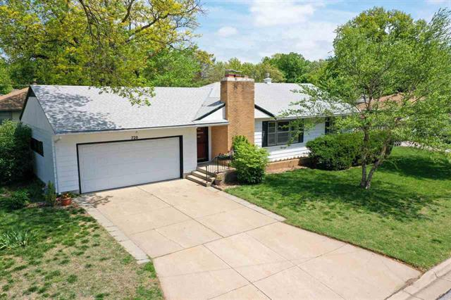 For Sale: 720 W 9th St, Newton KS