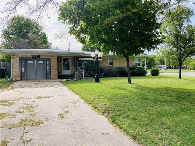For Sale: 528  Sweezy St, Halstead KS