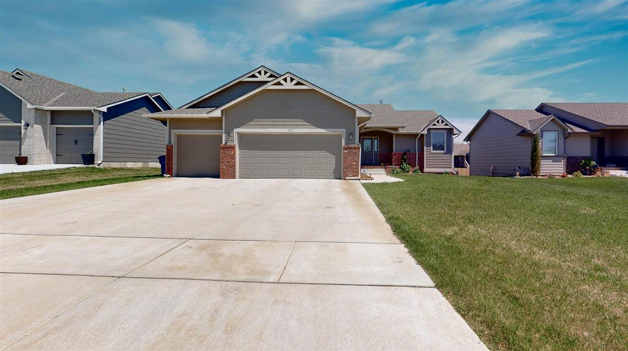Beautiful 4 Bedroom 3 Bath home located in Rock Spring Addition, Bel Aire. Open floorplan, granite c