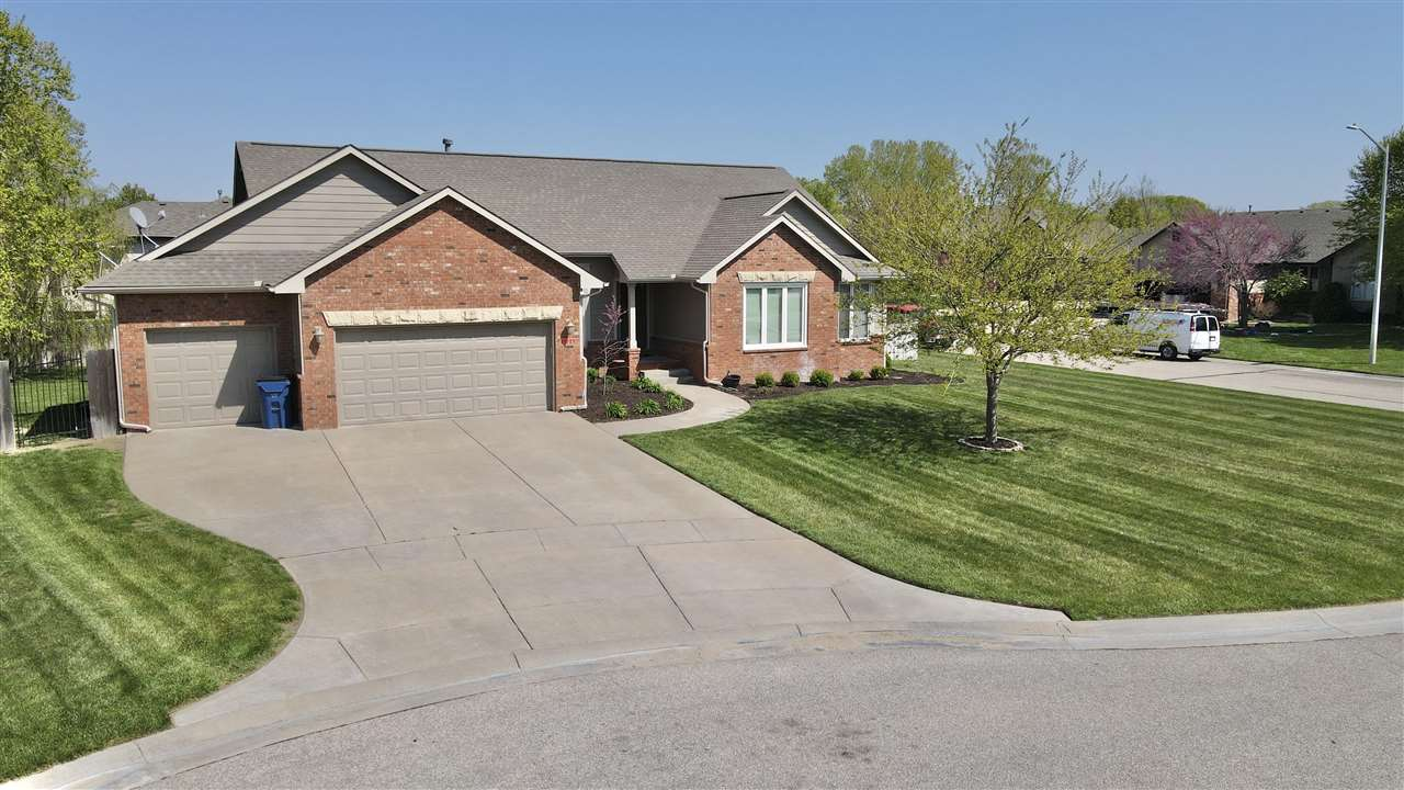 NW WICHITA HOME, OPEN FLOOR PLAN, 3 BEDROOMS ON MAIN FLOOR, THEATRE ROOM, 3 CAR GARAGE, PRIVATE LAKE