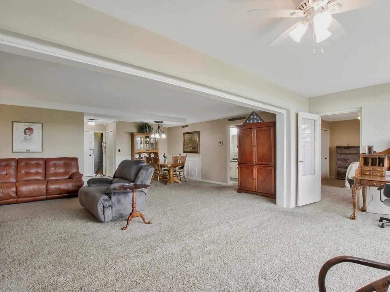 For Sale: 5051 E Lincoln St Apt 8F, Wichita KS