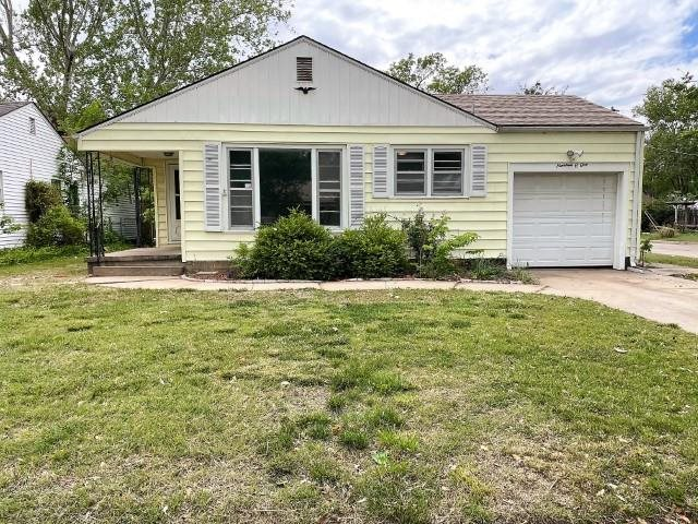 Welcome Home! This adorable 3 bedroom 1 bath home offers quite a bit for the money! Situated on a hu