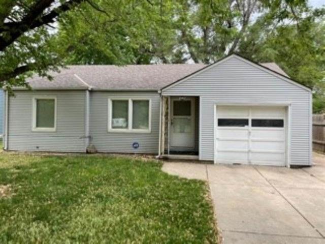 For Sale: 2557 S WASHINGTON AVE, Wichita KS
