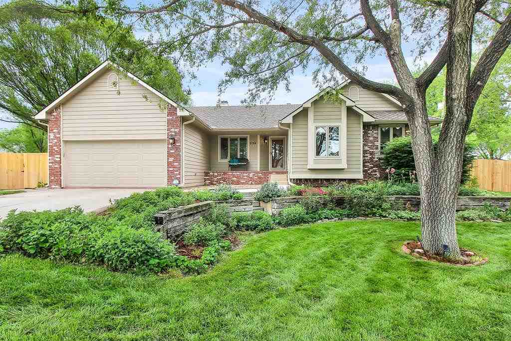 Very well maintained home in Ashley Park - Bristol subdivision. This home is listed as a 2 bedroom a