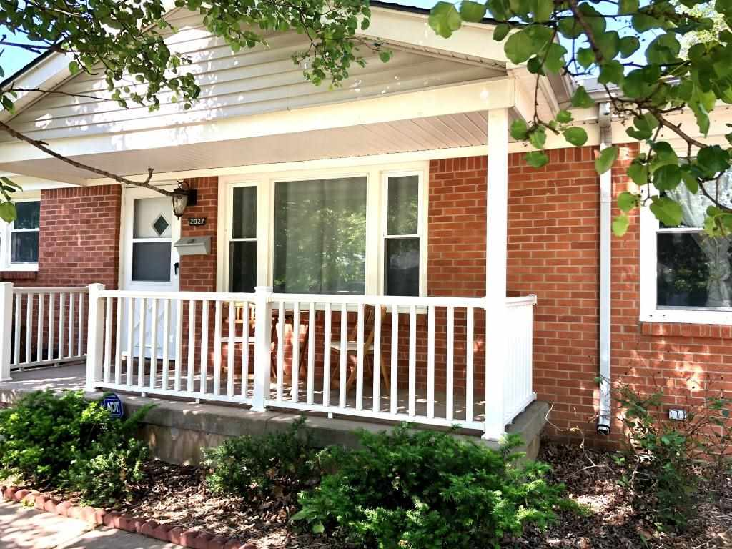 Looking for an Adorable Ranch Style Home on the West Side that is both Affordable & Stylish? Here It