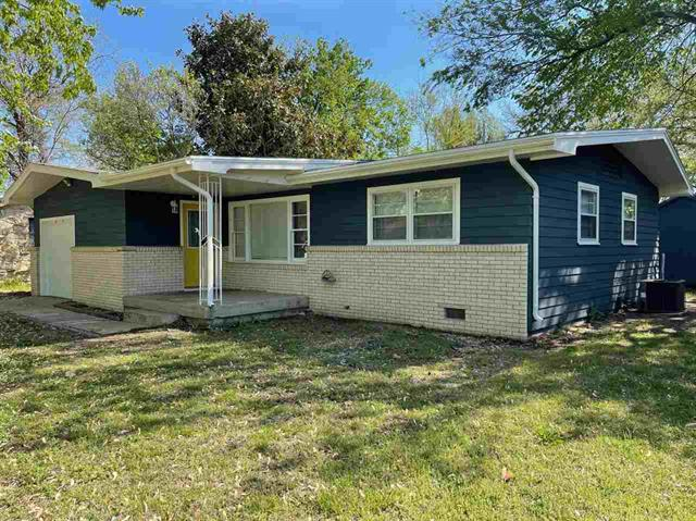 For Sale: 1326 N 10th, Arkansas City KS