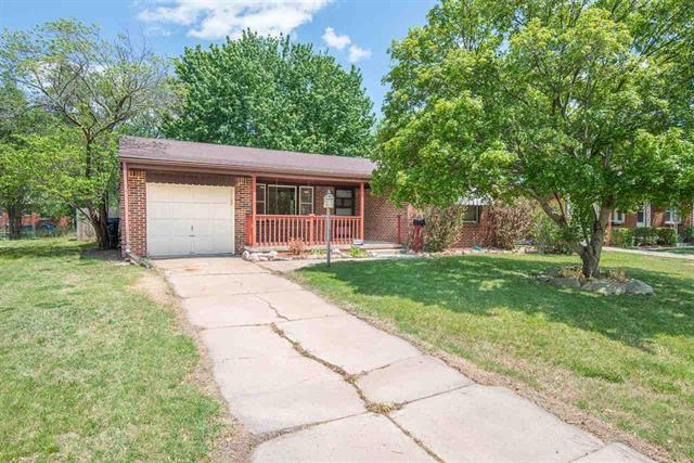 For Sale: 368 N Hillcrest Ave, Wichita KS