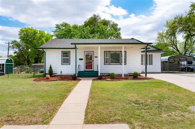 For Sale: 117 W Star Ave, Kingman KS