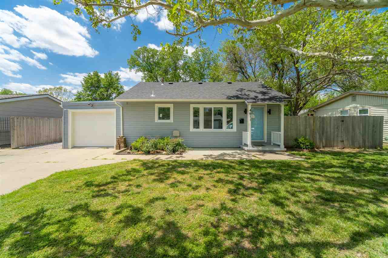 Making a splash on to this fast paced market is Glenn Ave, the home you do not want to miss. Glenn A
