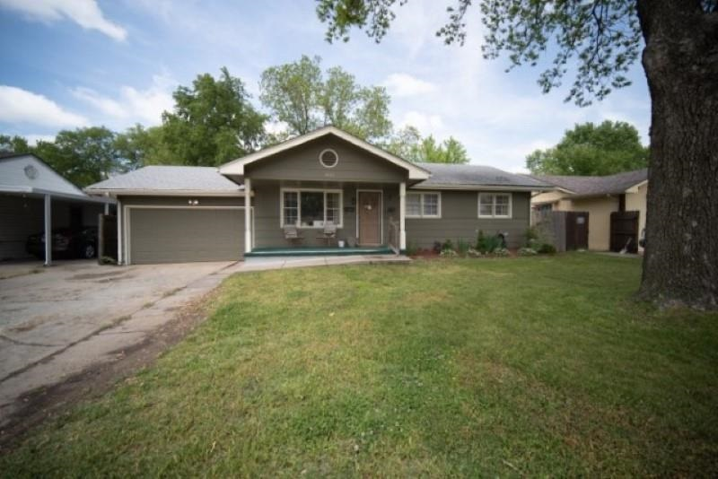 Welcome to your new home! This 3 bedroom (plus a bonus room), 3 bathroom home has everything you are