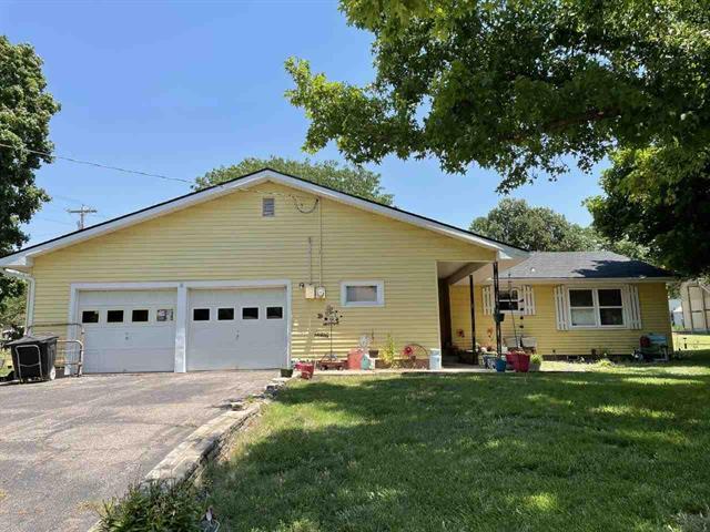 For Sale: 1701  Winfield Ave, Winfield KS