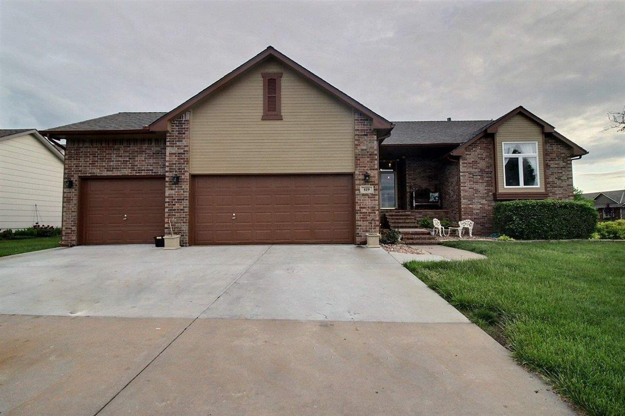 Absolutely STUNNING and back on the market!!!  This 4 bedroom, 3 bath ranch can not get any better!