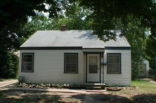 For Sale: 1304  Dearborn St, Augusta KS