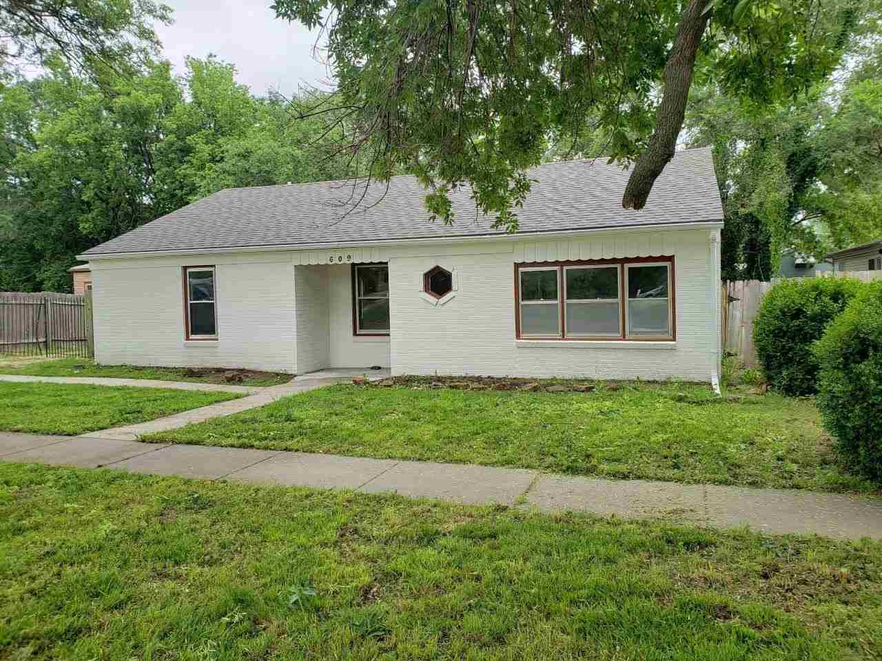 609 E Mulvane St, Mulvane, KS, 67110