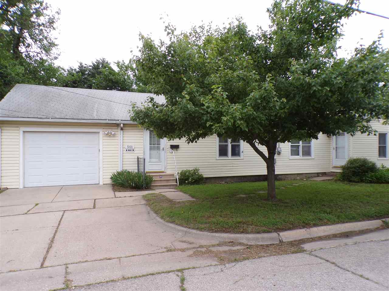 Ranch home on corner lot.  Close to downtown area.  2 Bedroom and 2 Bath.  Large living room, formal