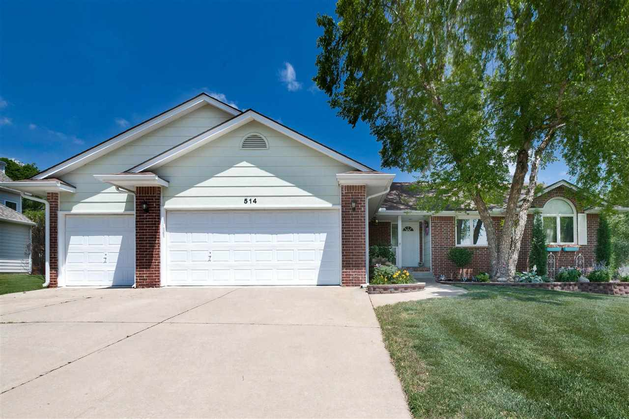 Welcome to one of the best homes Winfield has to offer! This home shows a pride of ownership like yo