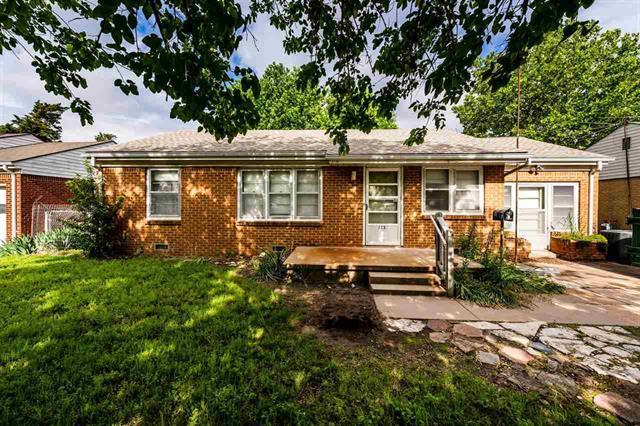 For Sale: 113 S Ward Pkwy, Haysville KS