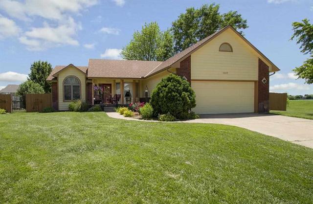 For Sale: 1517  Loring St, Haysville KS