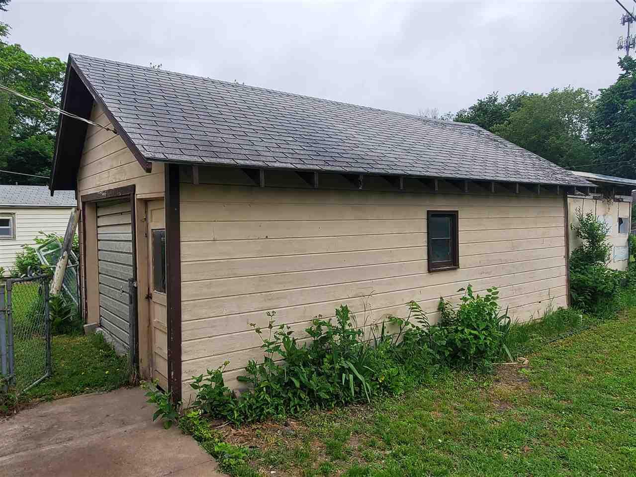 For Sale: 212 E 2ND ST, Newton KS