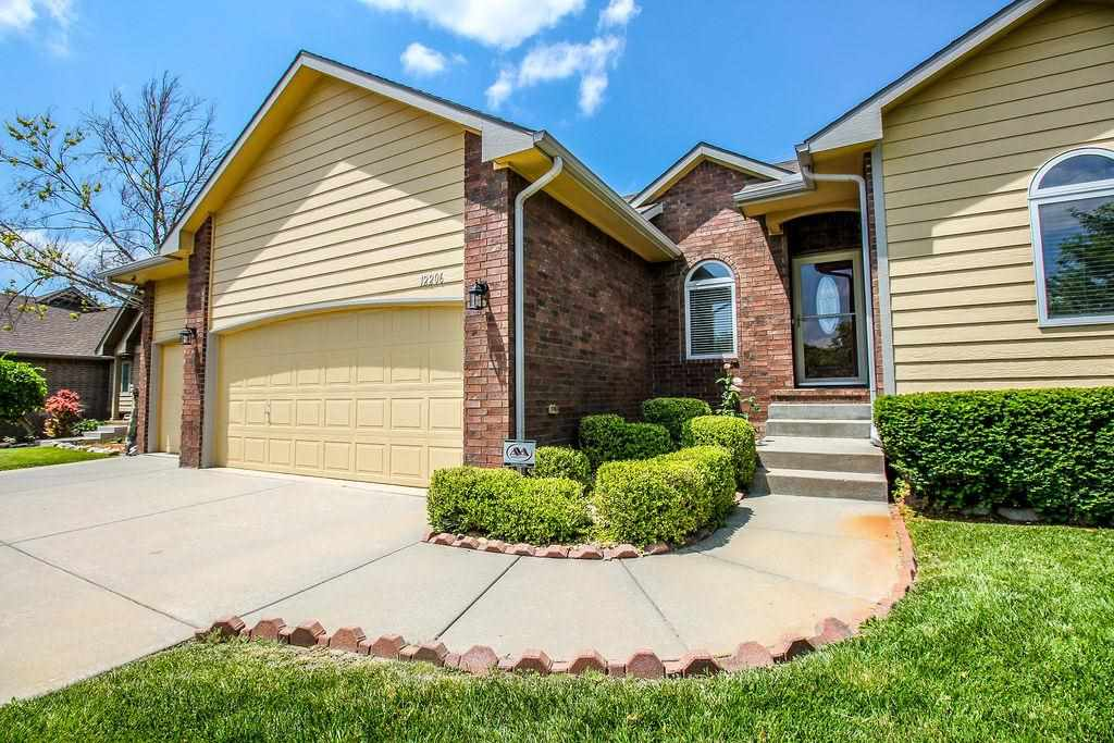 Very well maintained 4 Bed 3 Bath home in Tara Falls addition! Enjoy a spacious open floor plan with