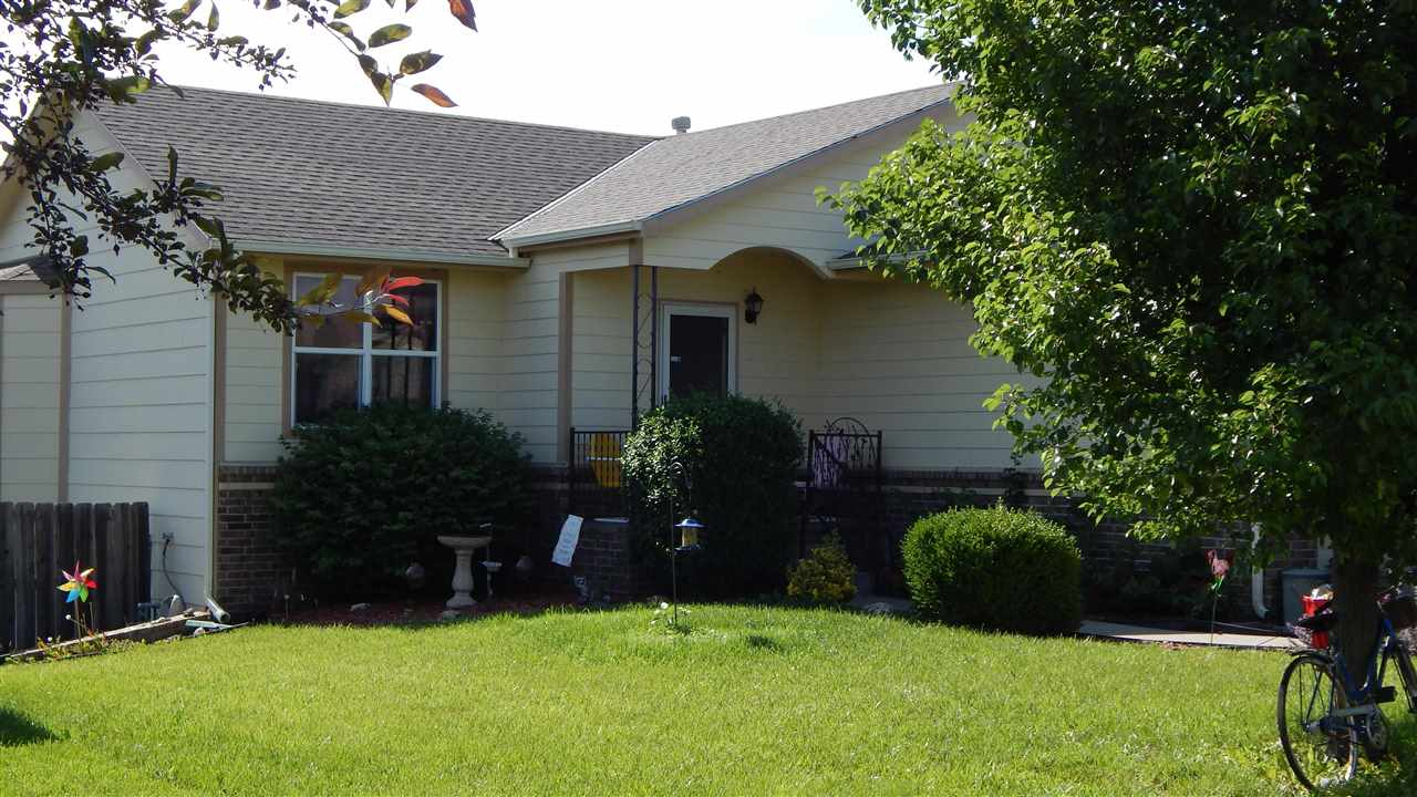 This is the best buy in Andover! Great open floor plan that everyone is looking for with vaulted cei