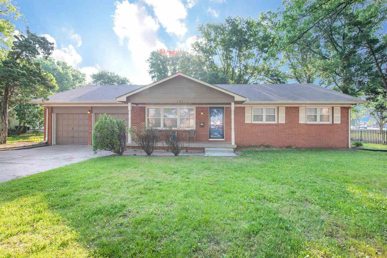 This lovely, ranch-style home is move-in ready! Conveniently located in Southeast Wichita, this spac