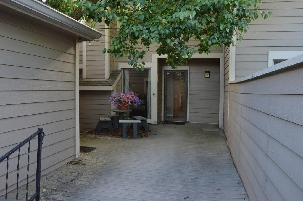 Spacious 3 bedroom, 2.5 bathroom unit on a lake lot! This home has a great floor plan and has been v