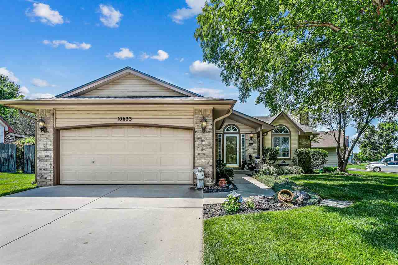WELL MAINTAINED RANCH IN THE GODDARD SCHOOL DISTRICT! NEWER CARPET AND FRESH NEUTRAL PAINT THROUGHOU