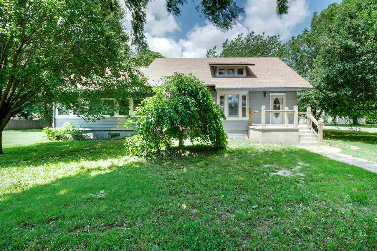 Come checkout this one of a kind home in the charming and quiet town of Mount Hope! Perfectly locate