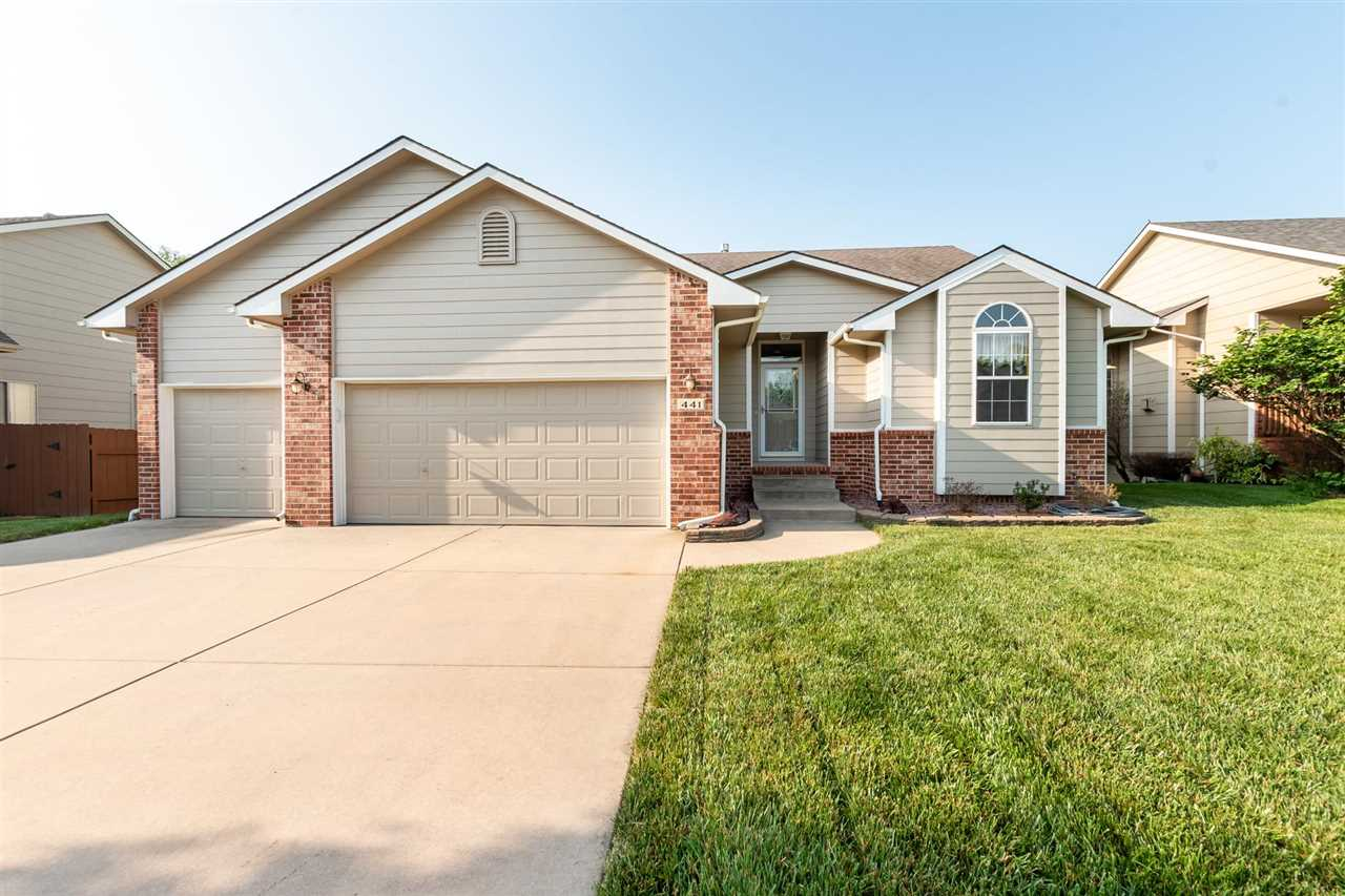 Great house, great location!  Wonderful RANCH in Prairie Creek Addition in Kechi with NO specials an