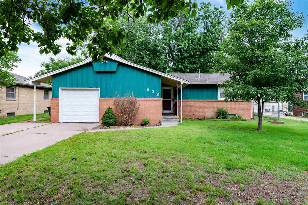 Adorable 3 bed 1.5 bath West side ranch ready for new owners.  This home features a full basement wi