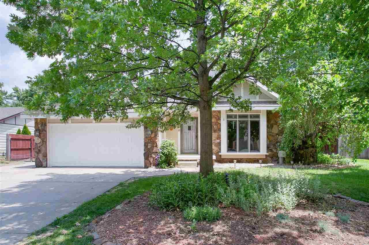 Come check out this cute 3 bedroom, 2 bathroom home! When you walk in you will notice the tall ceili