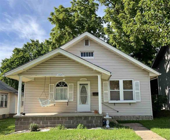 For Sale: 1504 E 6th Ave, Winfield KS