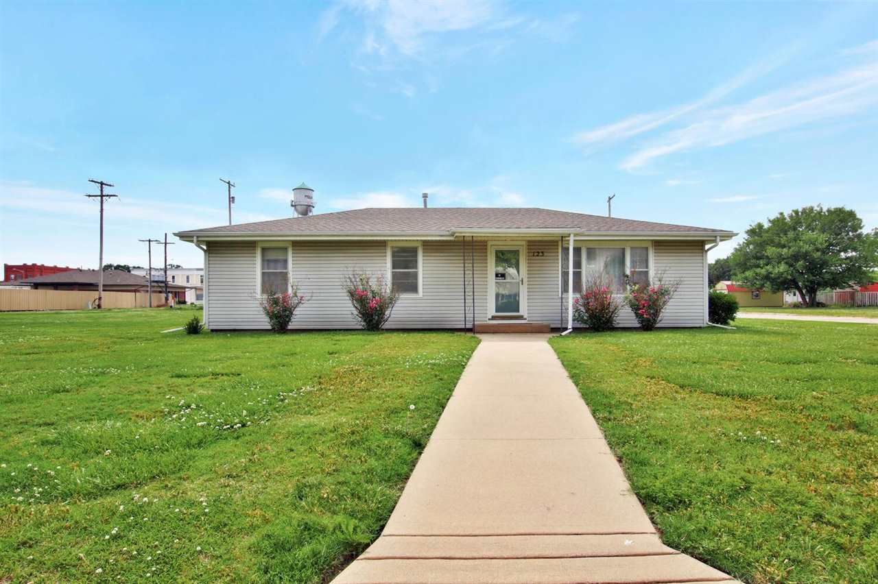Super nice home all one level. Hardwood floors, remodeled bath with onyx vanity top, solid surface c
