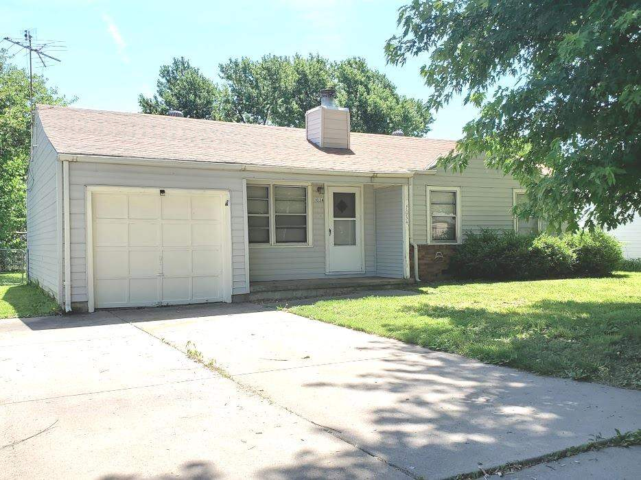 Great 3 bedroom ranch home in the heart of Derby, this home features updated flooring throughout and
