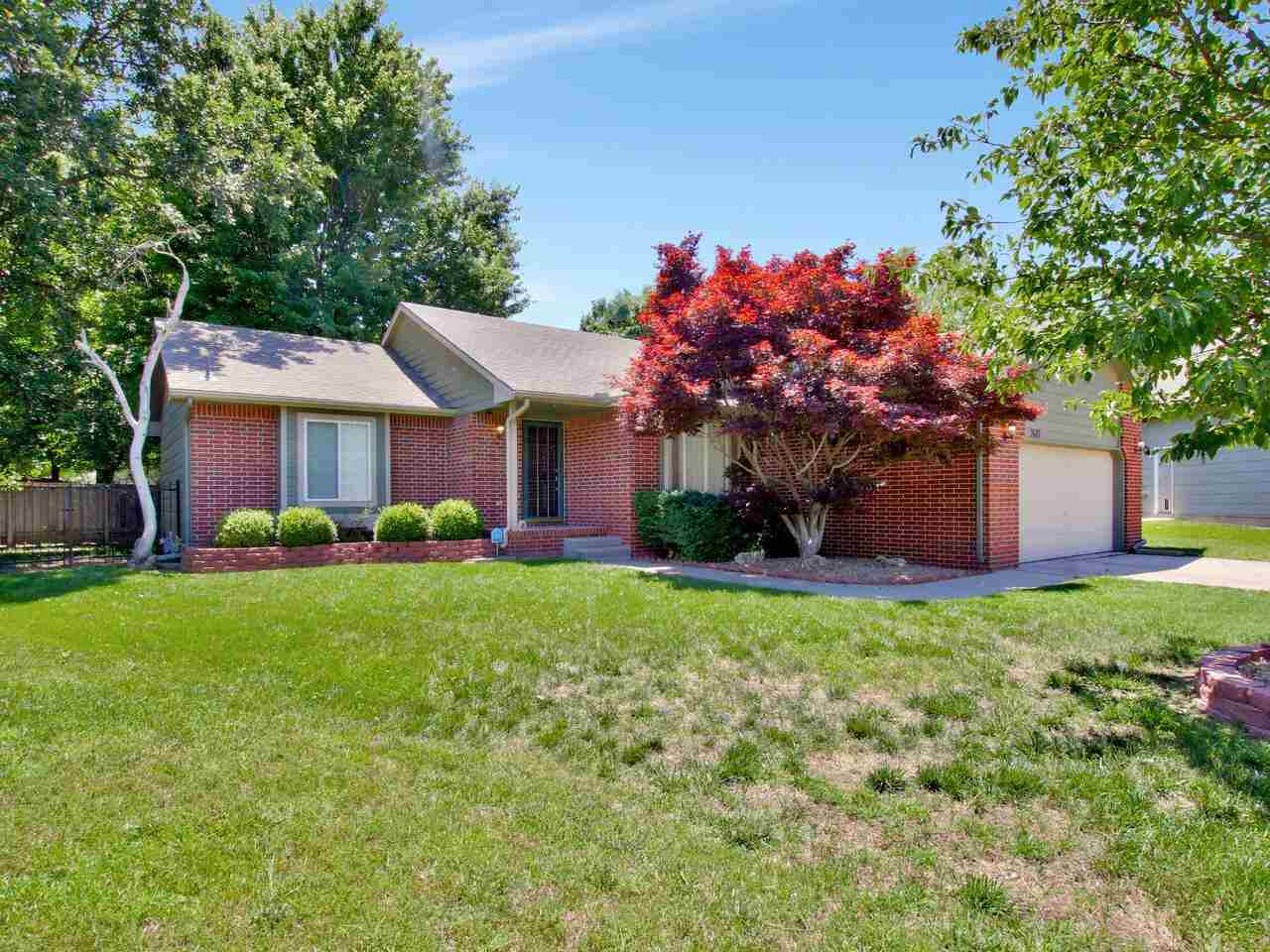 Beautiful home with fenced back yard in. Plenty of room upstairs and downstairs for entertaining or