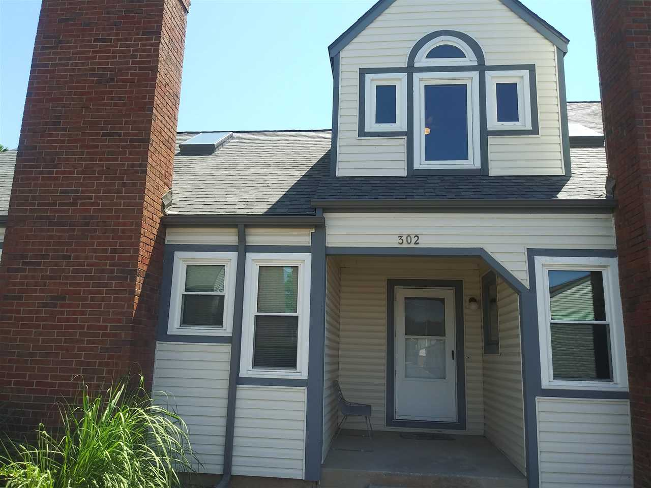 Welcome to this spacious Townhome that features 3 bedrooms, 2 full baths and 1 half bath, a full fin