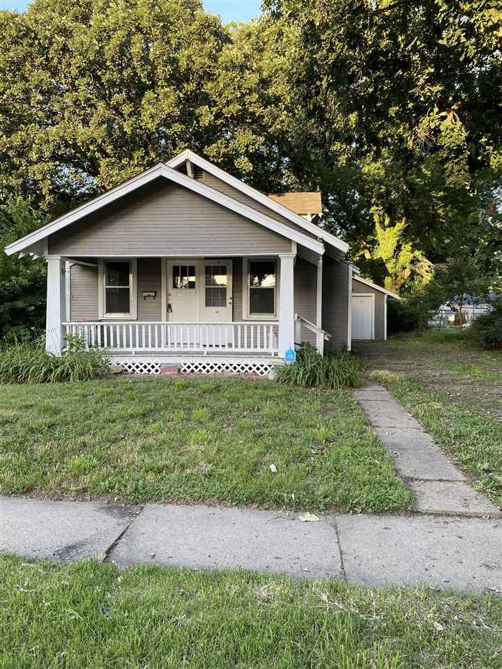 Move in ready! Perfect home for first time home buyer or investor looking to add a property to their