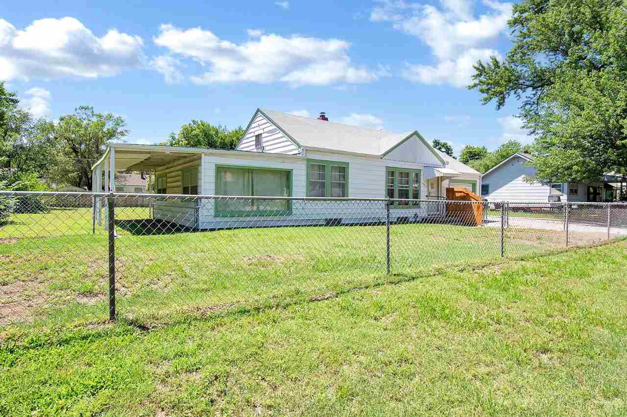 Great investment property on 1/4 acre lot. Just north of Maple and west of West St. 3 bedrooms, 1 ba