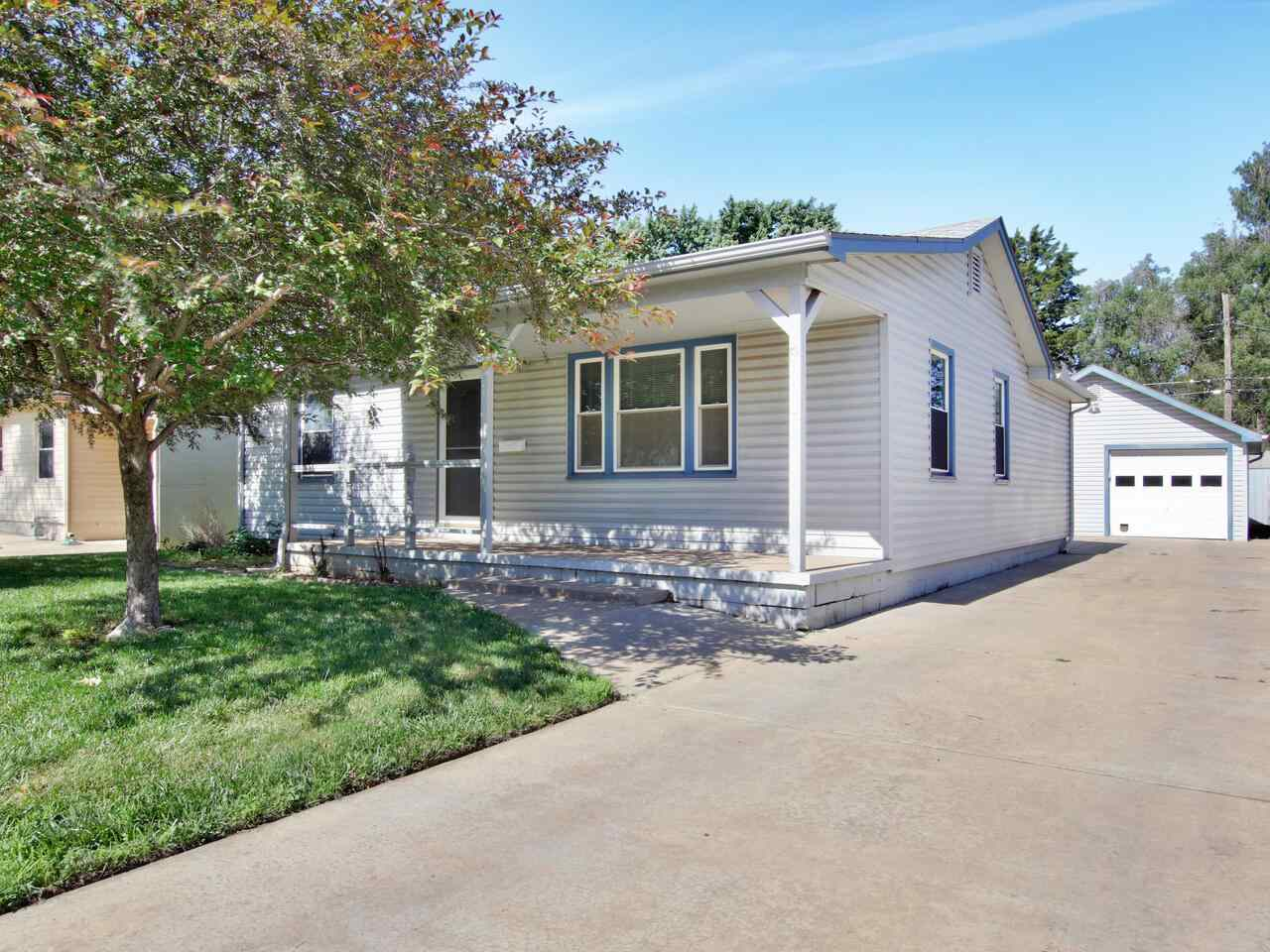 This charming move-in ready 2-bed, 1-bath home is the perfect opportunity for a first-time home buye