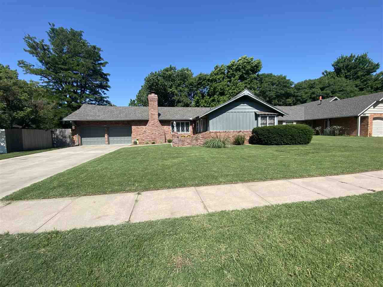 Adorable and spacious ranch home in the established Valley Park Addition with 3 bedroom, 2 1/2 baths
