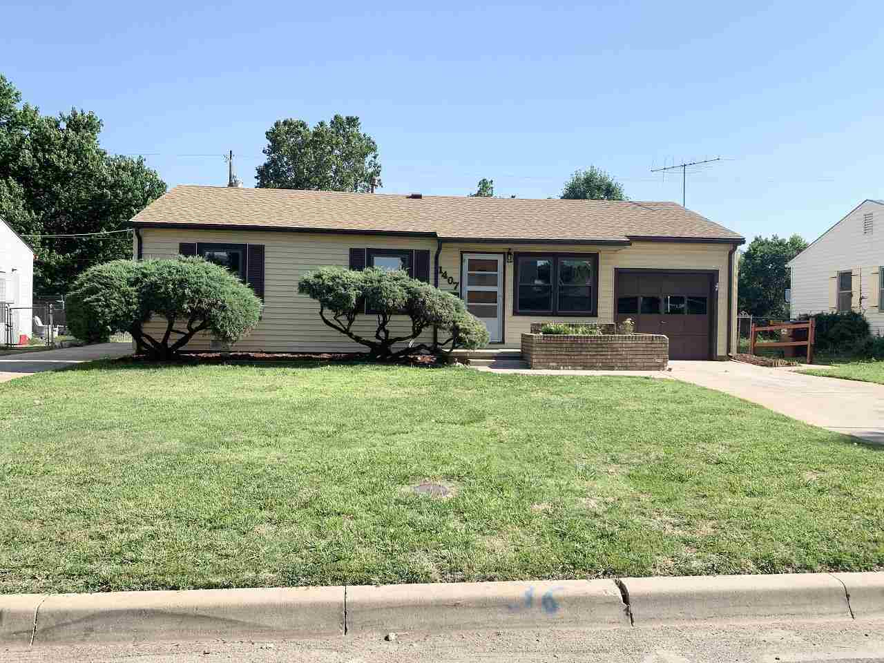 Tons of space in this recently updated home! You'll be hard-pressed to find a 4 bed, 2 bath home in