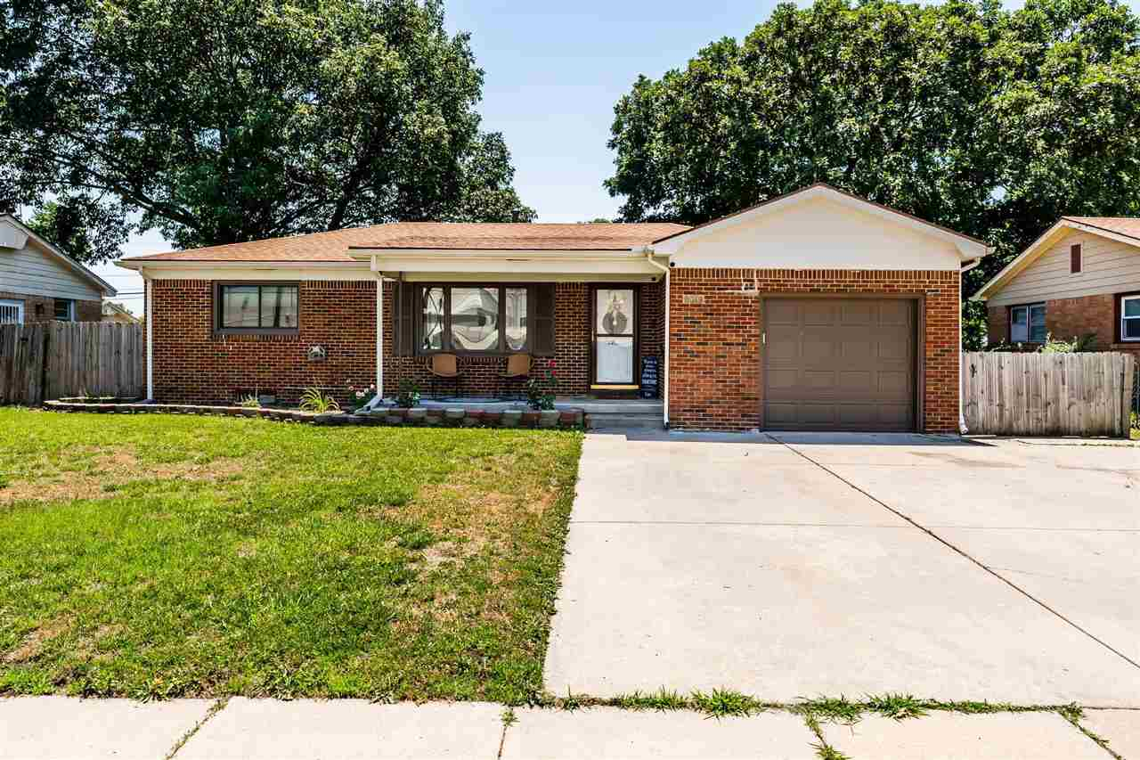 Don't hesitate to schedule your showing NOW on this move in ready east Wichita property! This full b