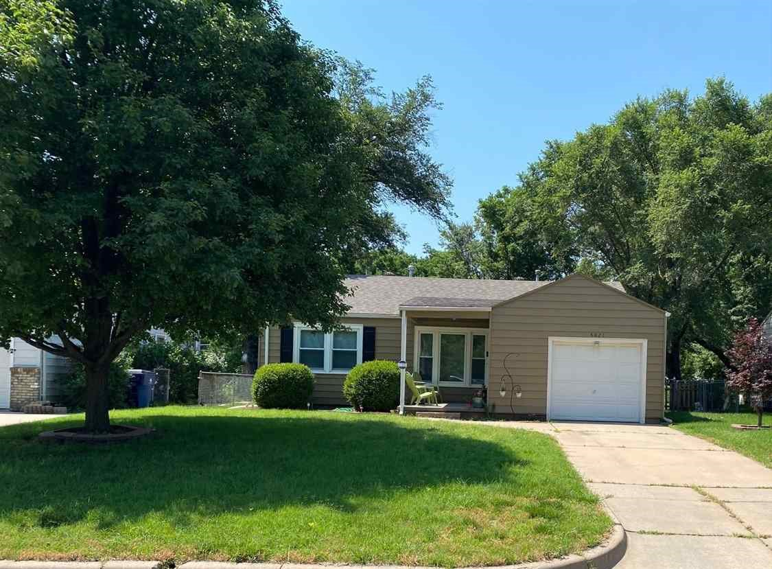 This darling 2 bedroom 1 bath home has great curb appeal.  Close to shopping and easy access to High
